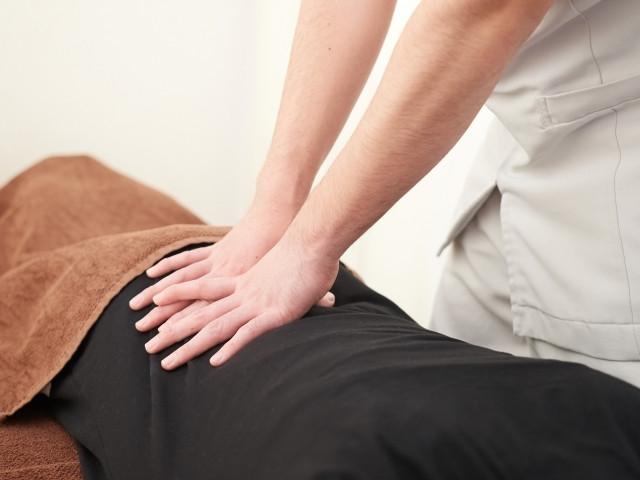 症状の根本原因から改善して痛みを取り除く施術です